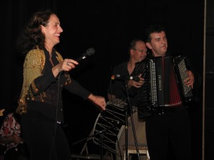 Merita, Jerry Kisslinger and Raif, Iroquois Springs, 2008. (photo: Margaret Loomis)
