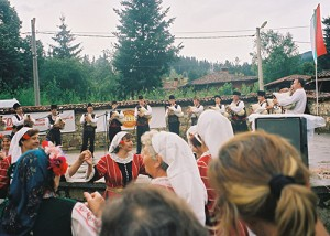 Gajda players and dancers, Koprivštica Festival, 2005. (Mike Harkin)