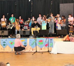 Marlis and kids performing at the student concert, Iroquois Springs