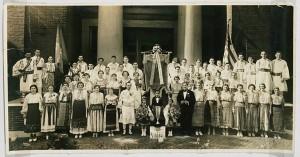 Societatea Bănăţeană, Philadelphia, 1936. Katie (Catiţa) Batejan is in the second row, fourth from the right. (photo courtesy Carmen D. Valentino)