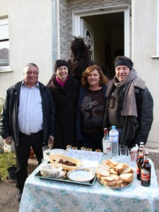 Hospitality to strangers in Ksiropotamos (photo: Lenka Harmon)